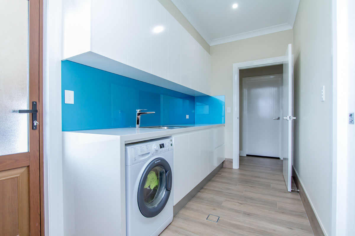 Laundry j d custom cabinetry we design and build laundry cabinets to suit your style and needs whether you need new cabinets for your existing laundry or a new fit out we can create a solutioingenieria Choice Image